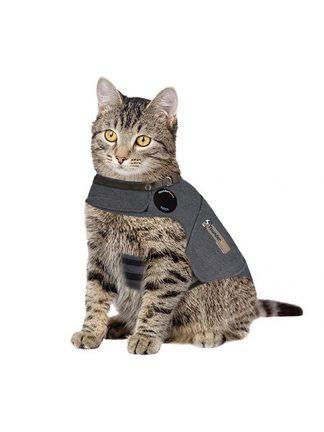 prestrašena mačka plašček za pomirjanje thundershirt
